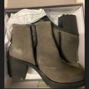Vagabond Grace Block Heel Ankle Bootie Grey 41